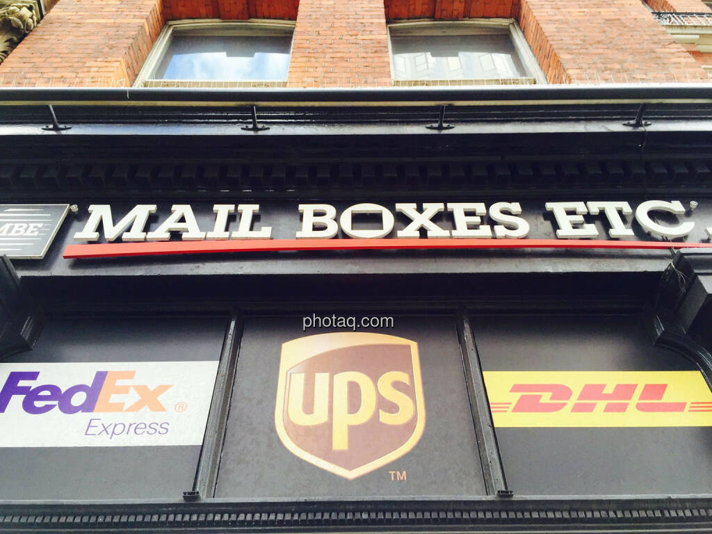 Mail Boxes Etc, FedEx, UPS, DHL, © photaq.com (24.08.2015)