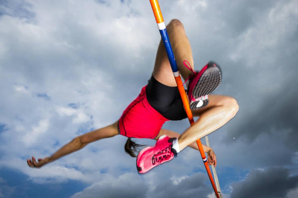 Hochsprung, Sprung, Jumg, Sport, springen, http://www.shutterstock.com/de/pic-287006261/stock-photo-female-athlete-in-high-jump-in-track-and-field.html, © www.shutterstock.com (25.08.2015)
