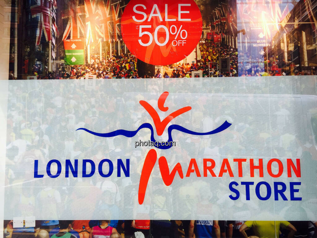 London Marathon Store, 50% Sale, © photaq.com (25.08.2015)
