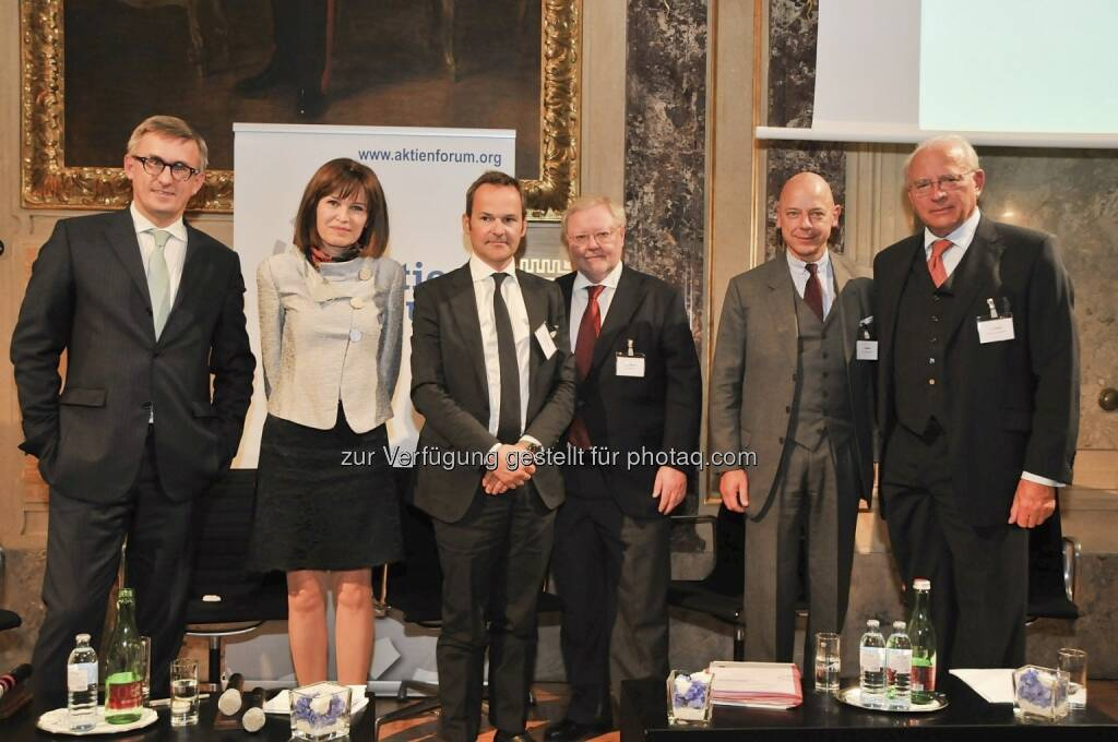 Robert Ottel (voestalpine/Aktienforum), Birgit Kuras (Wiener Börse), Franz Schellhorn (Die Presse), Werner Muhm (AK), Kurt Pribil (FMA), Claus Raidl (OeNB) (15.12.2012)