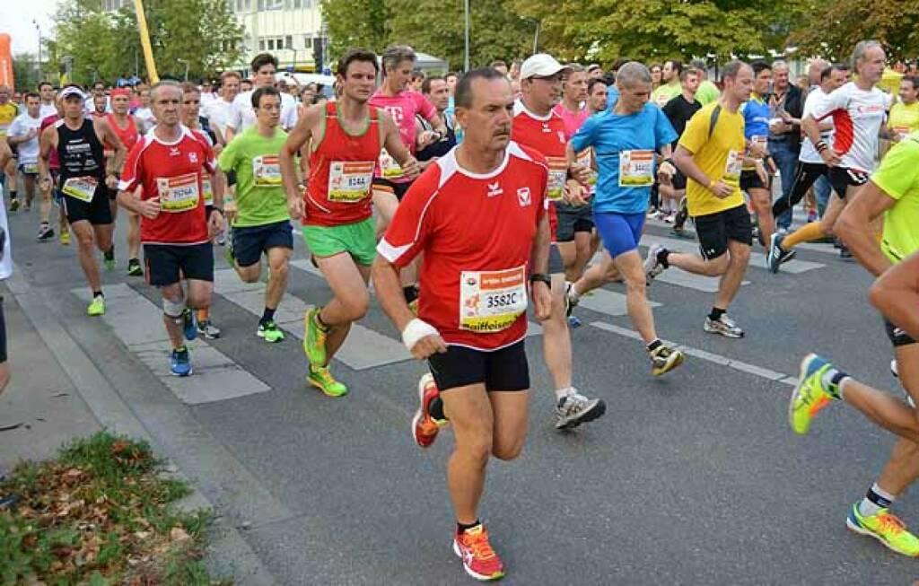 Start beim Wien Energie Business Run (im Canon-Shirt). Foto mit freundlicher Genehmigung von Hans Newetschny (10.09.2015)