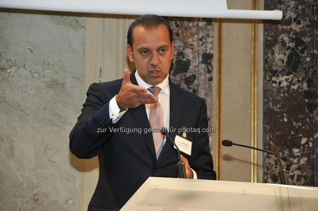 Werner Hoffmann (Contrast Management) (15.12.2012)