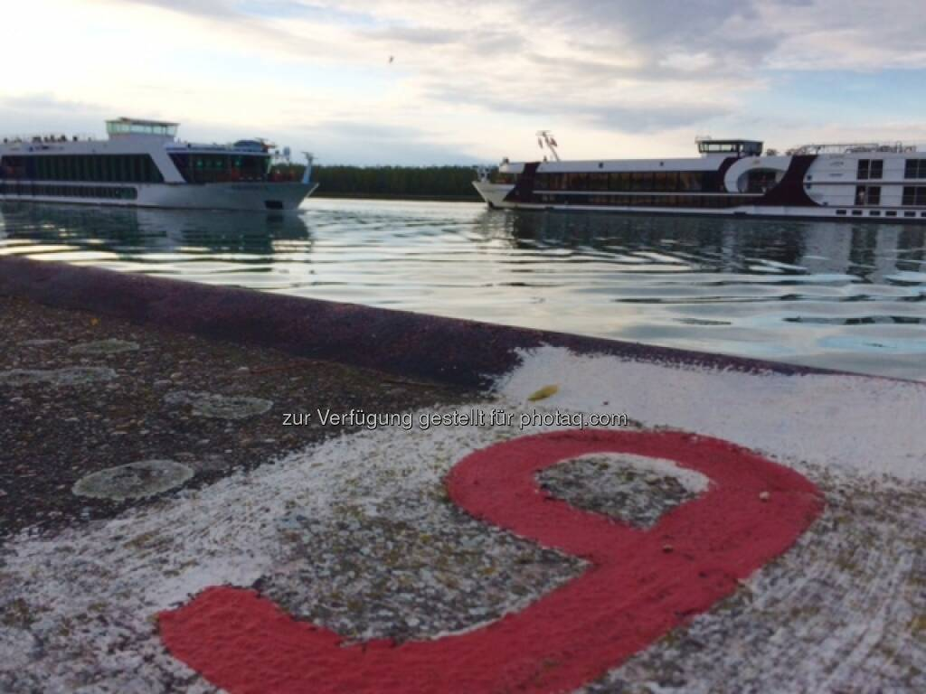 Donau, Schiff, Schiffe, 9, neun, © Martina Draper (26.09.2015)