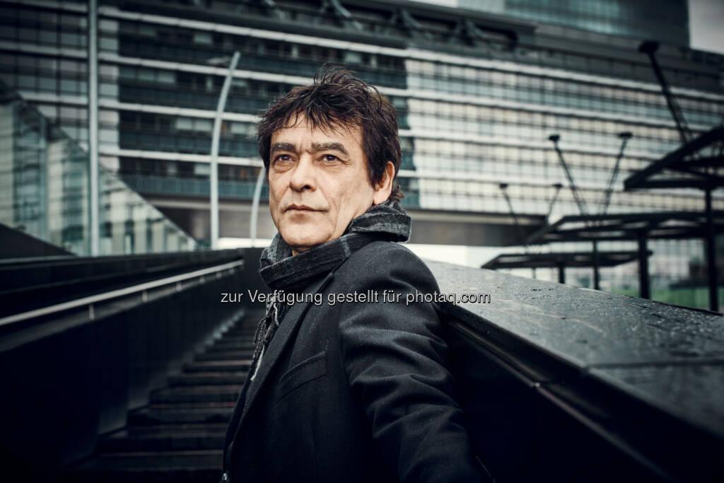 Emil Bobi, Aufdecker-Journalist, blickt in seinem neuen Buch Der Friedensnobelpreis - Ein Abriss hinter die Kulissen des Friedensnobelpreises : Fotocredit: Ecowin/Andreas Hofer, © Aussender (28.09.2015)