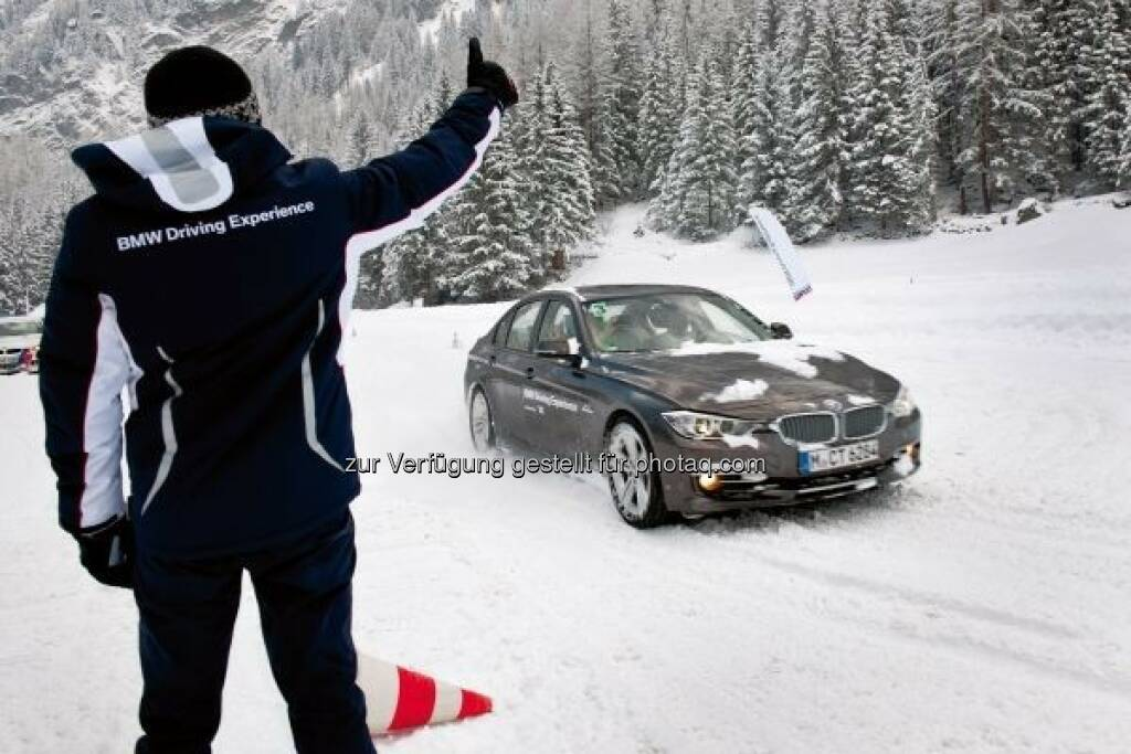 BMW Driving Experience, Snow BMW Basic Training : 25 Jahre BMW Snow Experience in Sölden. Die BMW und Mini Driving Experience feiert das Jubiläum des Winter-Klassikers – einem der Highlights im umfangreichen Trainingsangebot : © BMW Group, © Aussendung (29.09.2015)
