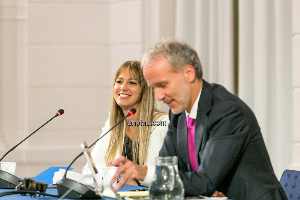 Jury - Nina Bergmann (finanzen.at/Springer), Christian Drastil, © photaq/Martina Draper (01.10.2015)
