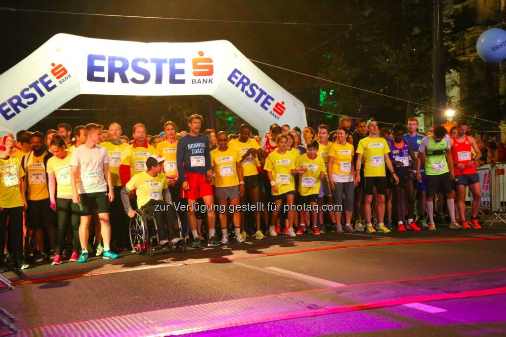 erste bank vienna night run 2015, vor dem Start, © leisure.at/Ludwig Schedl (02.10.2015)