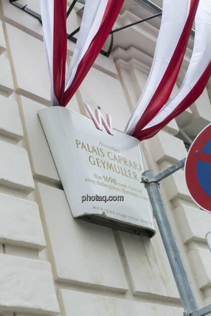 Wiener Börse, Palais Caprara Geymüller, Fahnen Österreich, © Martina Draper (21.02.2013)