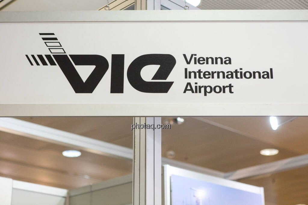 VIE, Flughafen Wien, © Martina Draper/photaq (15.10.2015)