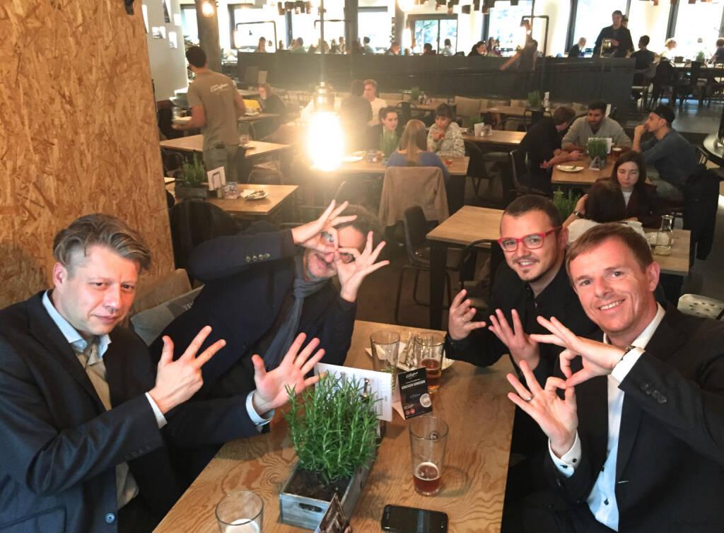 8 Jahre Christian-Hendrik bei der Deutsche Bank: Mit Robert Gillinger, Josef Chladek, Michael Plos und Christian-Hendrik Knappe (16.10.2015)