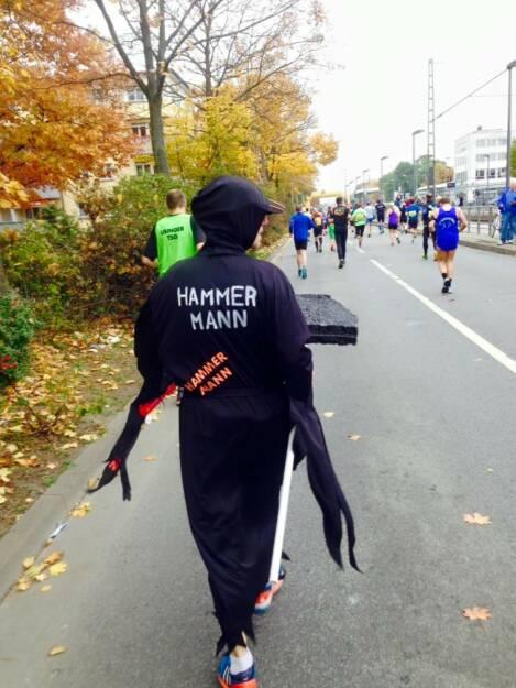 Hammer Mann, Mann mit dem Hammer, Marathon (26.10.2015)