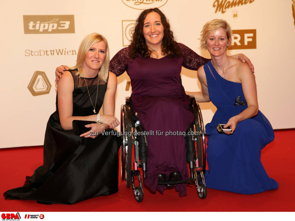 Andrea Fischbacher, Claudia Lösch, Gast : Photo: GEPA pictures/ Walter Luger (30.10.2015)