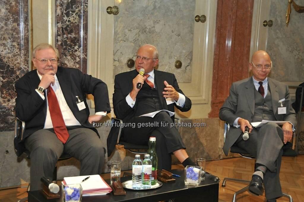 Werner Muhm (AK), Claus Raidl (OeNB), Kurt Pribil (FMA) (15.12.2012)