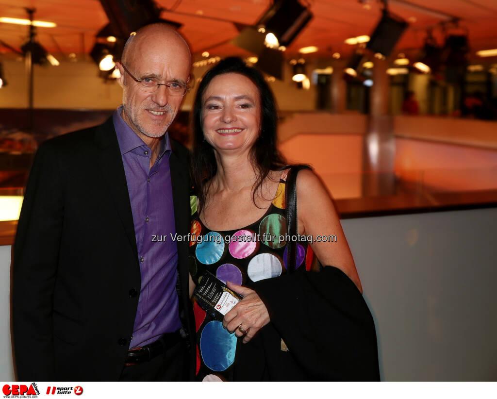 Anton Innauer mit Gattin : Photo: GEPA pictures/ Hans Oberlaender (30.10.2015)