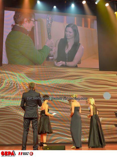 Annemarie Moser-Pröll, Anna Fenninger : Photo: GEPA pictures/ Michael Riedler (30.10.2015)