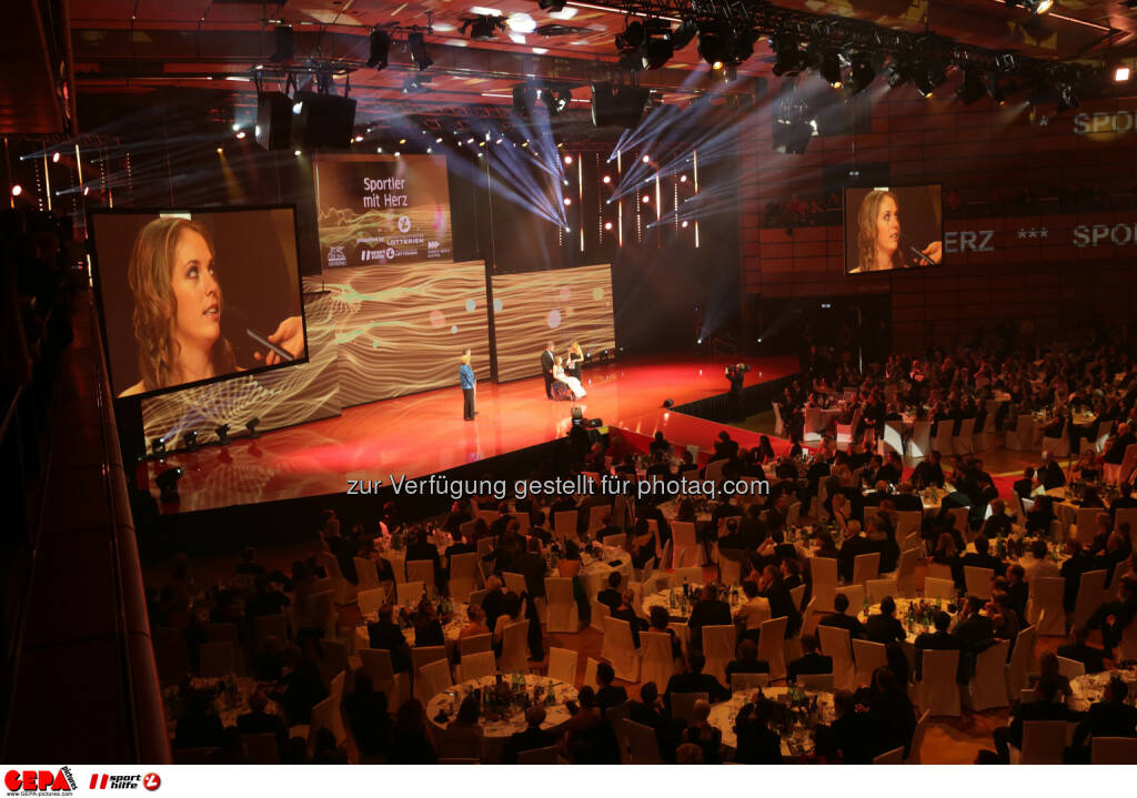 Kira Gruenberg : Photo: GEPA pictures/ Walter Luger (30.10.2015)