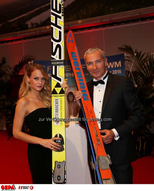 Miriam Weichselbraun, Rainer Pariasek : Photo: GEPA pictures/ Hans Oberlaender (30.10.2015)