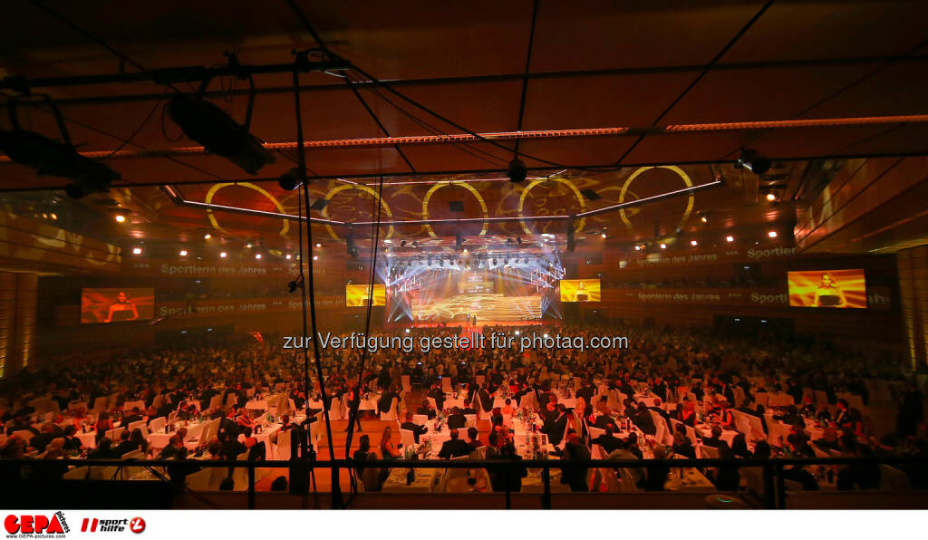Festhalle : Photo: GEPA pictures/ Hans Oberlaender (30.10.2015)