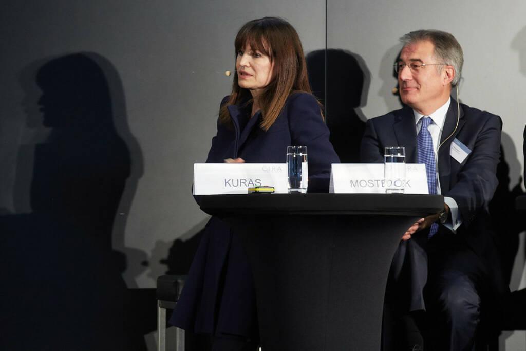 Birgit Kuras (Wiener Börse), Fritz Mostböck (Erste Group), © APA-Fotoservice für CIRA. Mit freundlicher Genehmigung der CIRA. (04.11.2015)