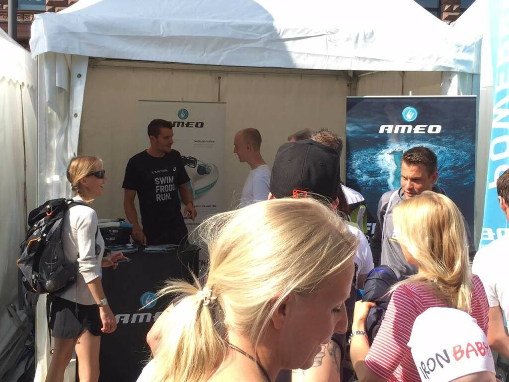 Jan Frodeno am Powerbreather / ameo - Stand © Powerbreather, © Aussendung (08.11.2015)