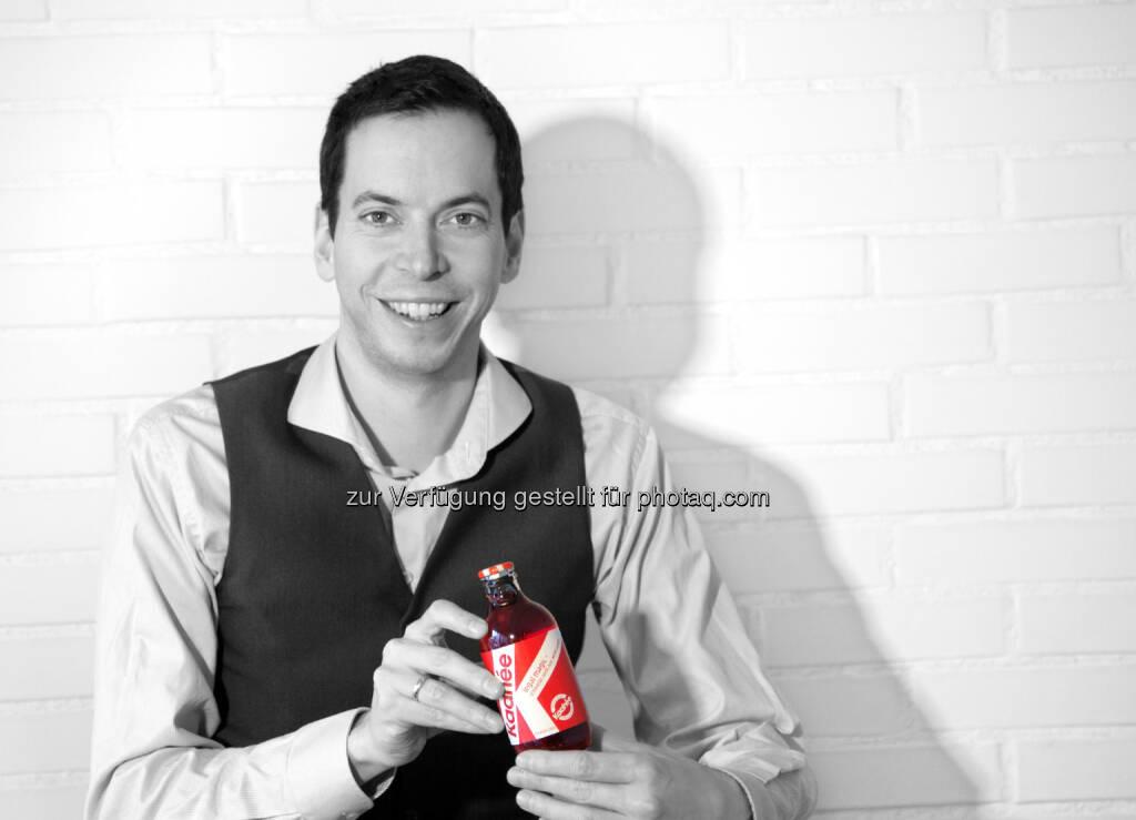 Julian Juen (CEO & Gründer von Kaahée) : Kaahée schreibt Crowdinvesting Geschichte und holt sich als erstes österreichisches Unternehmen eine Million Euro an Crowdfinanzierung : Mit der zweiten abgeschlossenen Kampagne auf Conda setzt Kaahée erneut Maßstäbe und stellt neue Rekorde auf : Fotocredit: Kaahée, © Aussendung (09.11.2015)