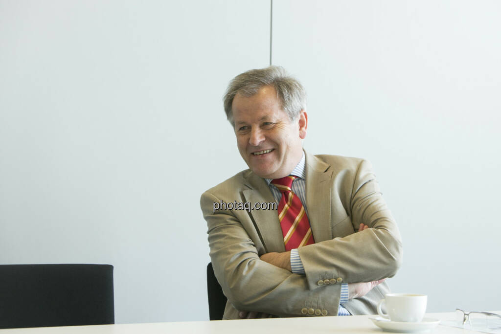 Eduard Zehetner (Immofinanz), lacht, © Martina Draper (15.12.2012)