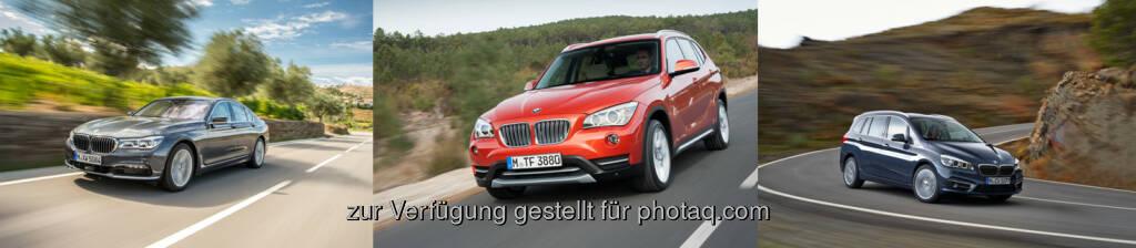 """BMW 730d : BMW X1 : BMW 220d xDrive Gran Tourer  : """"Goldenes Lenkrad"""" 2015 : Drei Titel für BMW : Drei neue Modelle, drei Fahrzeugsegmente, drei """"Goldene Lenkräder"""" : Bei der gemeinsam von """"Auto Bild"""" und """"Bild am Sonntag"""" ausgerichteten Kür der besten Neuerscheinungen des Jahres 2015 auf dem deutschen Automobilmarkt stellt BMW ein siegreiches Trio. Das """"Goldene Lenkrad"""" in der """"Luxusklasse"""" gewinnt der neue BMW 7er, in der Kategorie """"Mittelklasse-SUV"""" holt der neue BMW X1 den Titel. Und auch das erstmals vergebene """"Familien-Lenkrad"""" geht an ein neues Modell,  den BMW 2er Gran Tourer : Mit drei """"Goldenen Lenkrädern"""" ist BMW die erfolgreichste Marke im diesjährigen Wettbewerb. Überreicht werden die Trophäen heute im Rahmen einer feierlichen Gala in Berlin : © BMW Group, © Aussendung (11.11.2015)"""