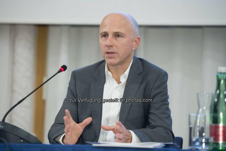 Andreas Koman (Tele2) : Ispa Vorstand gewählt : Mitglieder setzen bei der Wahl auf Kontinuität : Andreas Koman wird als Ispa Präsident bestätigt : Fotocredit: Ispa/APA-Fotoservice/Hörmandinger