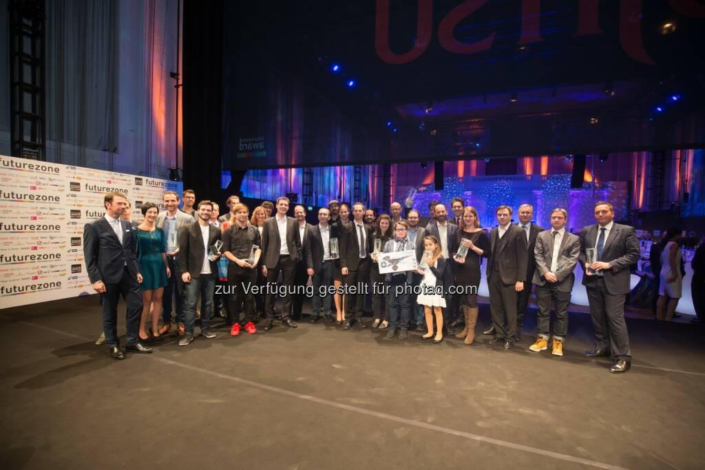 """Sieger des Futurezone Awards 2015 : Futurezone Award 2015 : Kiweno wurde Start-up des Jahres und gewann auch den Publikumspreis : spire.com-Gründer Peter Platzer wurde """"Innovator des Jahres"""" : Fotocredit: Kurier/ Christandl, © Aussendung (20.11.2015)"""