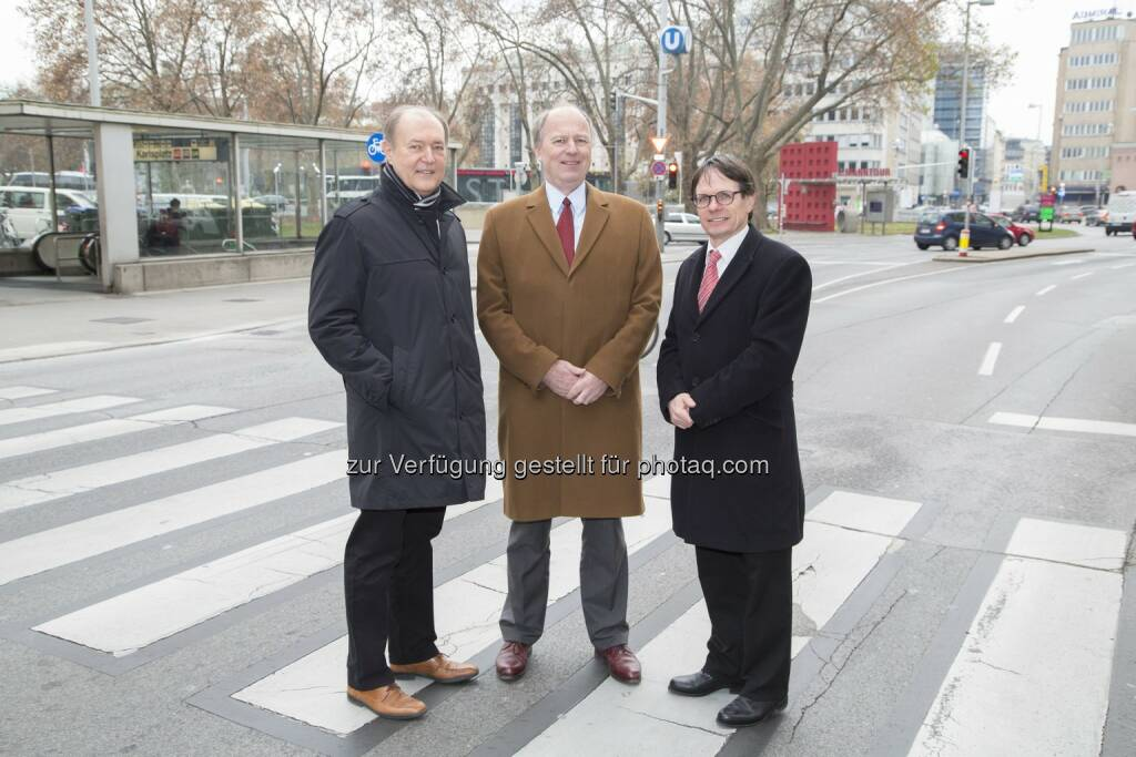 Josef Michael Schopf (FSV), Othmar Thann (KFV), Klaus Robatsch (KFV) : Pressekonferenz in Wien : KFV (Kuratorium für Verkehrssicherheit) und FSV (Österreichische Forschungsgesellschaft Straße - Schiene – Verkehr) : Neue Richtlinie bringt Verbesserungen für Fußgänger im Straßenverkehr! : Fotocredit: KFV/APA-Fotoservice/Juhasz, © Aussender (25.11.2015)