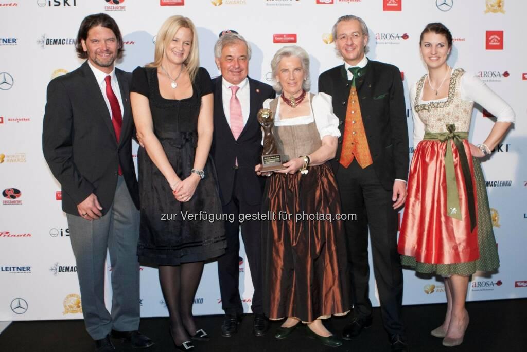 Manfred Hofer, Katrin Schlechter, Josef Burger, Signe Reisch, Gerhard Walter : World Ski Awards 2015: Kitzbühel ist das weltbeste Skigebiet : Fotocredit: Kitzbühel Tourismus/Roland Mühlanger, © Aussendung (27.11.2015)