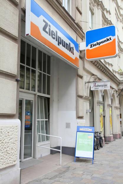Zielpunkt, <a href=http://www.shutterstock.com/gallery-56934p1.html?cr=00&pl=edit-00>Tupungato</a> / <a href=http://www.shutterstock.com/editorial?cr=00&pl=edit-00>Shutterstock.com</a>, Tupungato / Shutterstock.com, © www.shutterstock.com (27.11.2015)