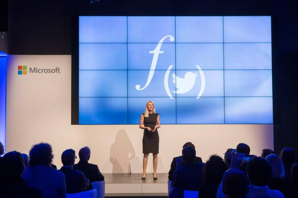 Larissa Lielacher präsentiert Flockpit © Microsoft, © Aussender (06.12.2015)