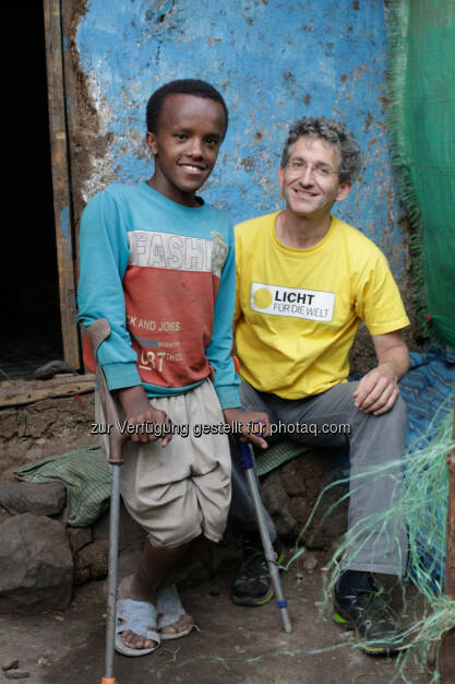 Ashenafi (Äthiopien), Rupert Roniger (GF Licht für die Welt) : 20 Jahre im Einsatz für Licht für die Welt - Rupert Roniger engagiert sich für Menschen mit Behinderungen in den Armutsgebieten der Erde : Fotocredit: Licht für die Welt/Ulrich Eigner, © Aussender (17.12.2015)