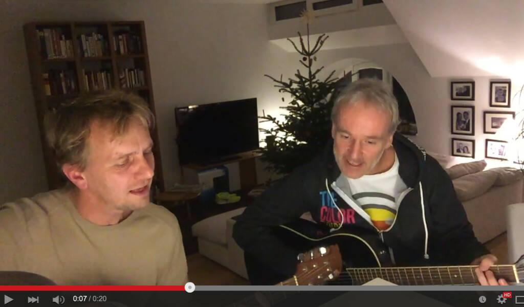 Spontane Gitarrensession für Runplugged - so amateurhaft wie mein Laufen - aber Spass machts (29.12.2015)
