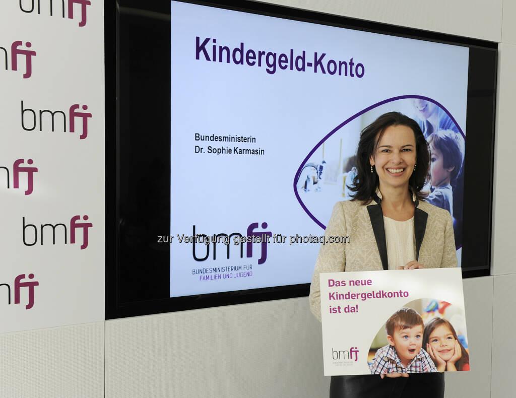 """Sophie Karmasin (Familienministerin) : """"Neues Kindergeld-Konto bringt mehr Flexibilität, Fairness und Partnerschaftlichkeit für Eltern!"""" : Fotocredit: bmfj /Aigner, © Aussender (08.01.2016)"""
