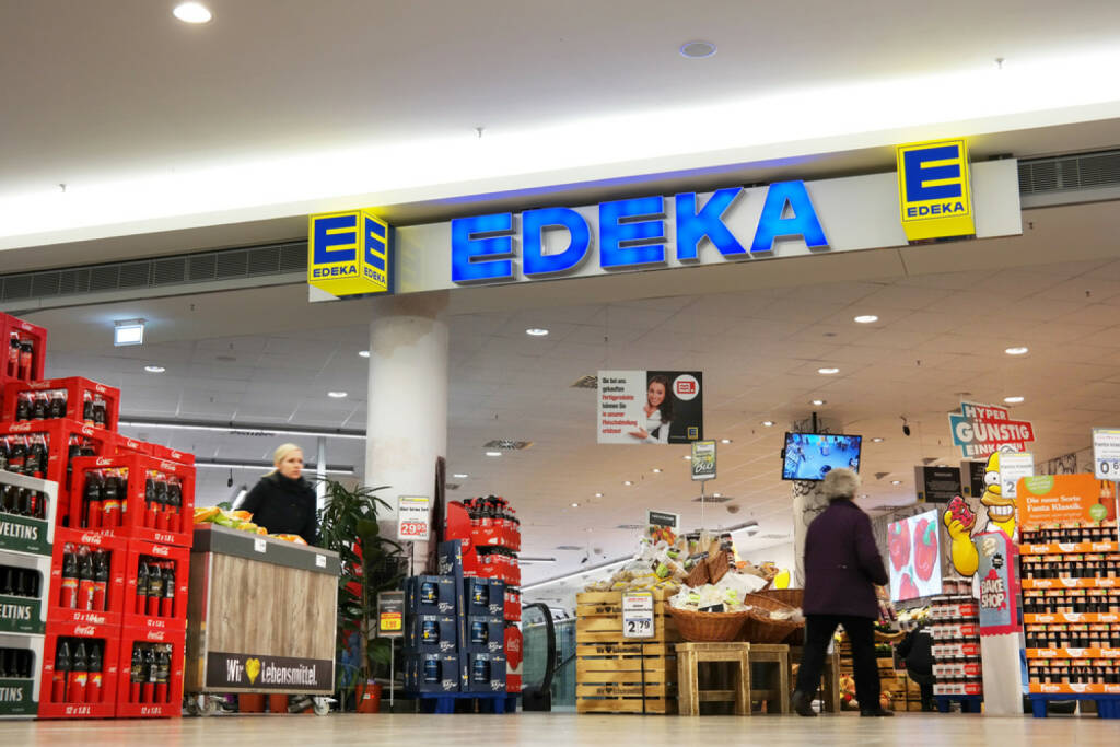 Edeka, http://www.shutterstock.com/de/pic-285432560/stock-photo-meppen-germany-february-edeka-supermarket-in-a-shopping-mall-in-meppen-the-edeka-group-is.html, © www.shutterstock.com (15.01.2016)
