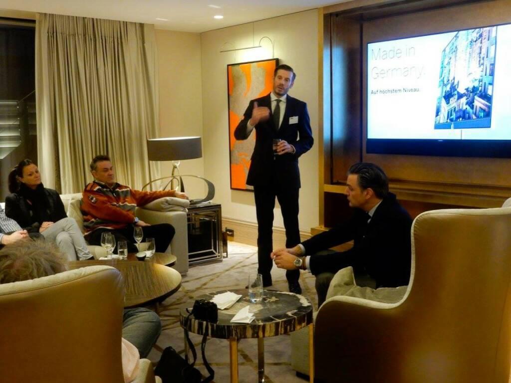 LOEWE-PK im Park Hyatt, Jänner 2016: Mark Hüsges (CEO) und Kurt Doyran (Leiter Gesamtvertrieb) präsentieren die LOEWE-Strategie 2016 und darüber hinaus: Bewährtes und Neuheiten, Produkte und Ausblick auf künftige Technologien.  (18.01.2016)