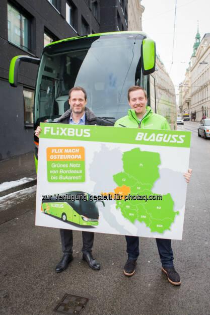 """André Schwämmlein (CEO FlixBus), Thomas Blaguss (Blaguss-Gruppe) : """"Ein grünes Netz von Bordeaux bis Bukarest!"""" – FlixBus expandiert in CEE-Länder : Von sechs Ländern in Osteuropa nach Nord-, Süd- und Westeuropa / Gründung Landesgesellschaft """"FlixBus CEE"""" mit Blaguss-Gruppe als strategischer Partner für neue Märkte : Fotocredit: Blaguss Gruppe/Lendl, © Aussendung (21.01.2016)"""