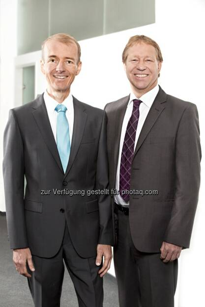 Helmut Altreiter und Andreas Obermüller (Geschäftsführer der VACE Group) : Dynamik in der Zulieferindustrie : VACE Graz stärkt automotiven Sektor : Fotocredit: VACE Engineering GmbH, © Aussender (29.01.2016)