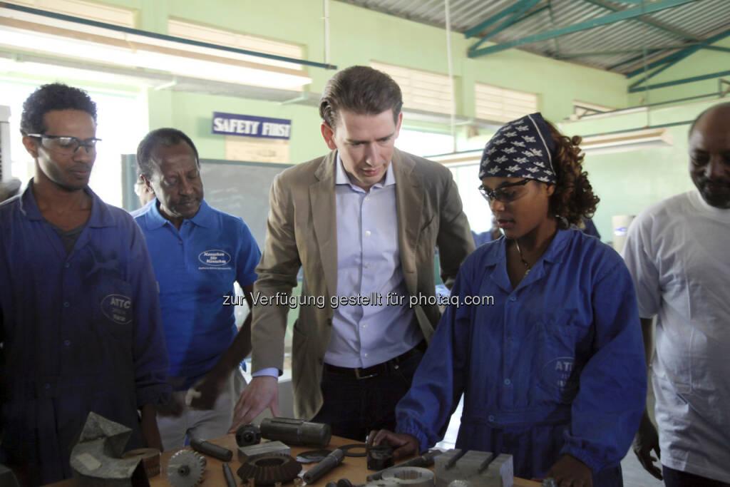 Verein Menschen für Menschen: Außenminister Kurz in Äthiopien: Erfahrungsaustausch mit der Organisation Menschen für Menschen (03.02.2016)