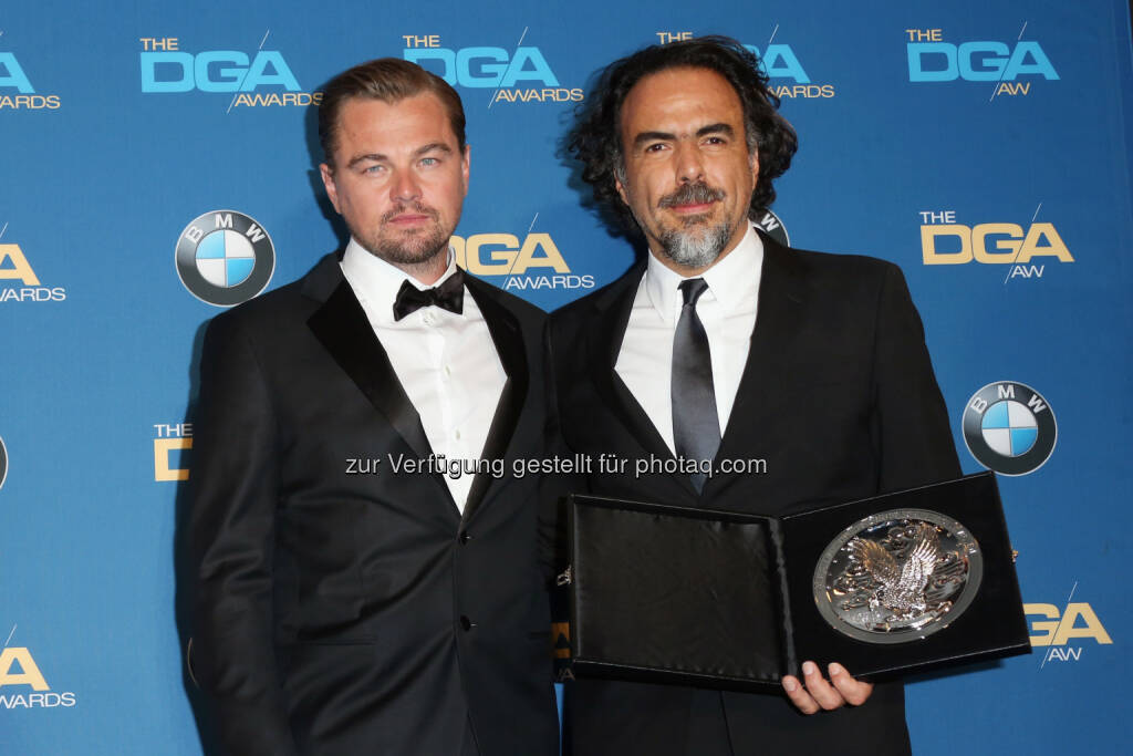 Leonardo DiCaprio (Schauspieler), Alejandro González Iñárritu (Regisseur): Verleihung des DGA Awards für Outstanding Directorial Achievement in Feature Film an Alejandro González Iñárritu anlässlich der 68. jährlichen Directors Guild Of America Awards im Hyatt Regency Century Plaza am 06. Februar 2016 in Los Angeles, Kalifornien : © BMW Group, © Aussendung (08.02.2016)
