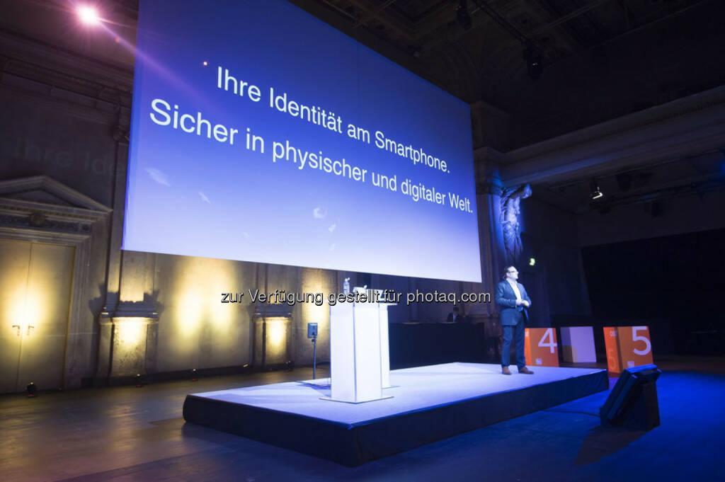 Lukas Praml (GF Österreichische Staatsdruckerei) : MIA - My Identity App - das neue digitale Ausweissystem der Österreichischen Staatsdruckerei wurde im November 2015 der Öffentlichkeit vorgestellt : Fotocredit: Österreichische Staatsdruckerei/APA-Fotoservice/Hörmandinger, © Aussendung (18.02.2016)