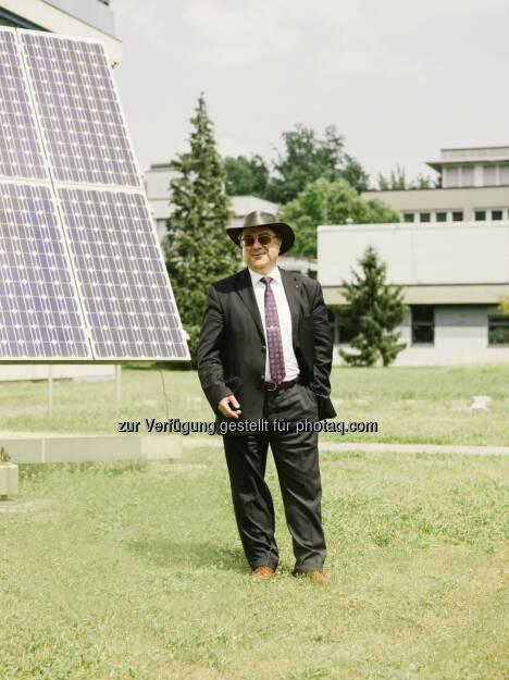 """Niyazi Serdar Sariciftci (Institut für Organische Solarzellen LIOS) : Der JKU-Wissenschaftler wurde im """"Thomson Reuters Highly Cited Researcher-Ranking 2015"""" unter die international einflussreichsten Forschungspersönlichkeiten gereiht : Fotocredit: JKU, © Aussendung (19.02.2016)"""