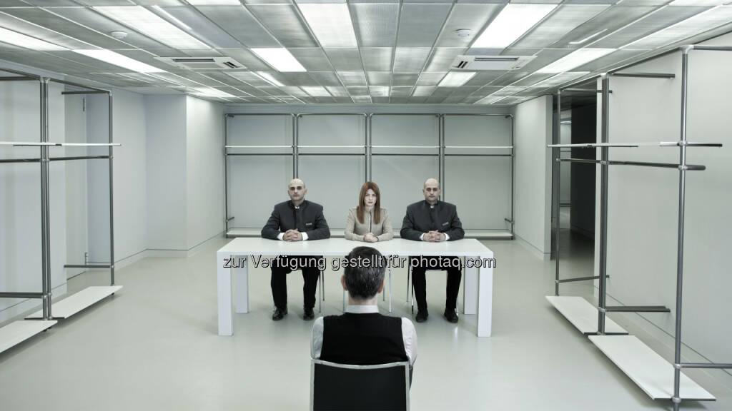 "George Drivas Sequence Error, 2011 HD Video : Ausstellung ""As Rights Go By"" im freiraum Q21 International/MQ : Fotocredit: George Drivas, © Aussendung (23.02.2016)"