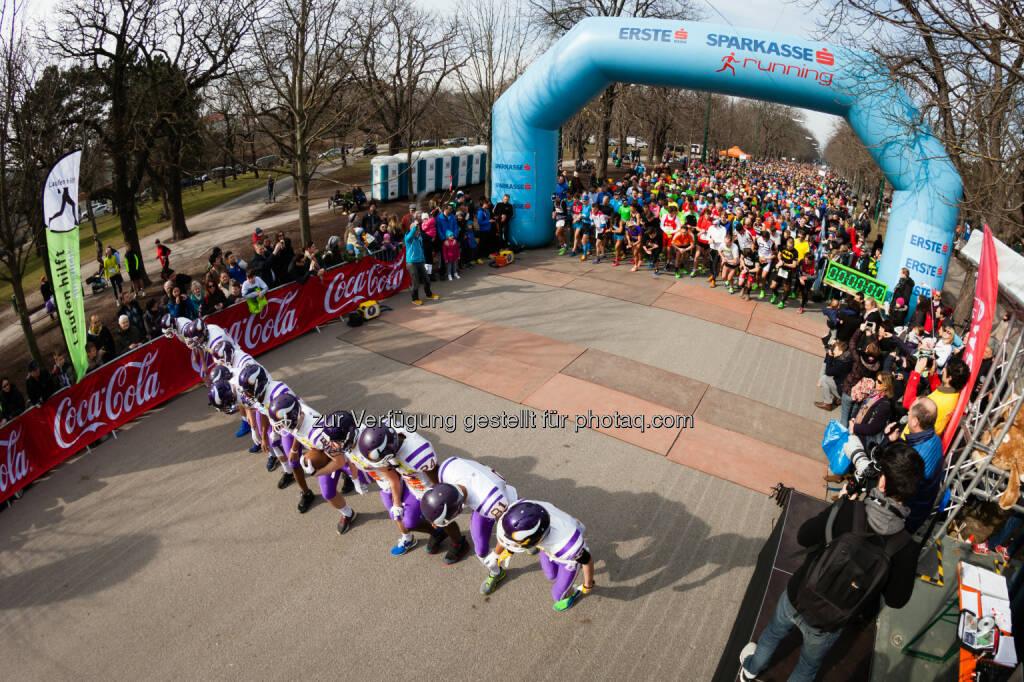 Laufen hilft : Österreichs Laufopening am 28. Februar 2016 : Spenden für die St. Anna Kinderkrebsforschung und das neunerhaus : Fotocredit: © laufenhilft.at/Dominik Kiss, © Aussendung (25.02.2016)