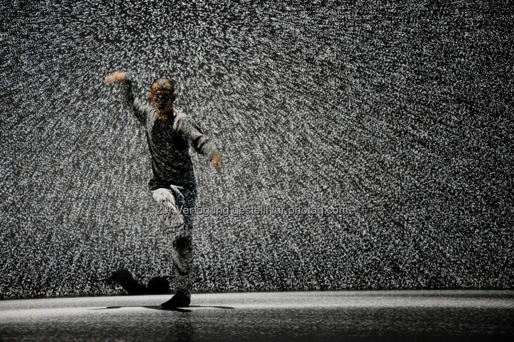 """Hiroaki Umeda – """"Holistic Strata"""" : Synaesthesia : Eine Nacht im Spannungsfeld zwischen Tanz, Musik und Visuals im Tanzquartier Wien am 12. März : Fotocredit: Ryuichi Maruo, © Aussendung (01.03.2016)"""