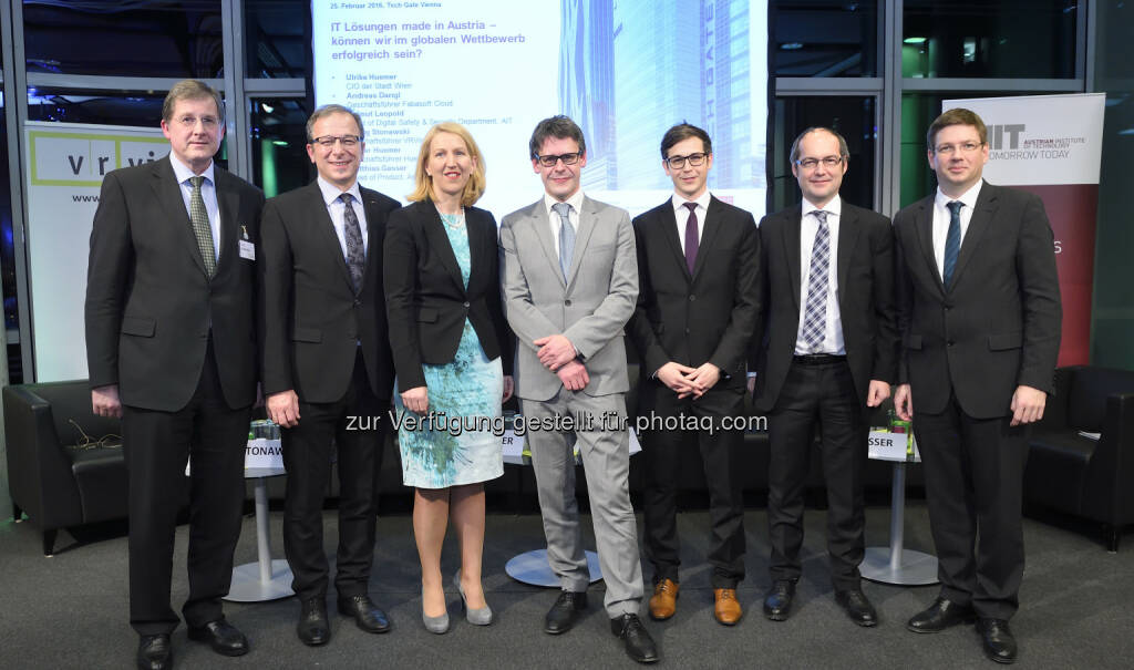 Georg Stanowski (GF VRVis), Hemut Leopold (Head of Department Digital Safety and Security AIT), Ulrike Huemer (CIO Stadt Wien), Andreas Dangl (GF Fabasoft Cloud), Matthias Gassner (Anyline), Walter Huemer (Huemer IT-Solutions), Martin Szelgrad (Moderator) : AIT und VRVis präsentierten heimische Sicherheitstechnologien für den Weltmarkt : Fotocredit: AIT / Johannes Zinner, © Aussender (04.03.2016)