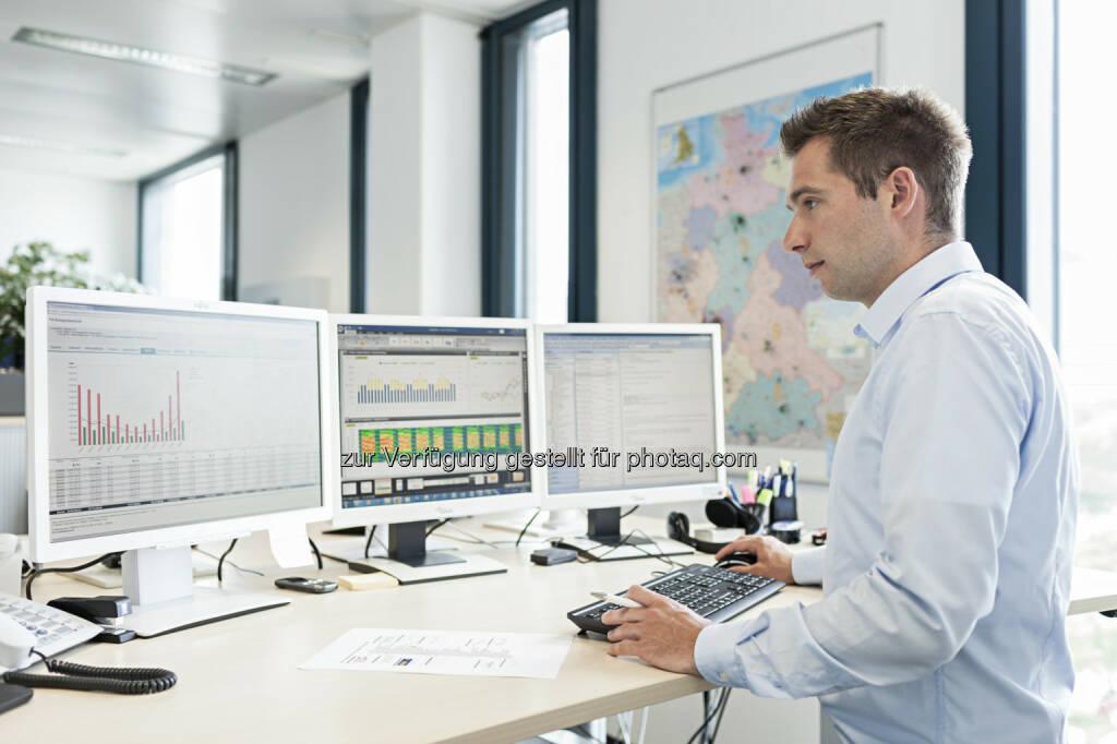 Navigator powered by Sinalytics : Die mit Hilfe des Navigator powered by Sinalytics erhobenen Gebäudedaten werden von Energieingenieuren verdichtet und zu aussagekräftigen Berichten über Energieverbrauch, Kosten und Emissionen verarbeitet : (c) Siemens AG, © Aussendung (11.03.2016)
