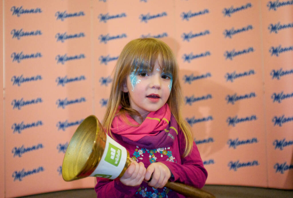 Mädchen Opening Bell Manner http://www.openingbell.eu (14.03.2016)